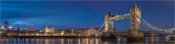 Panoramabild Towerbridge London am Abend