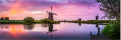 Panoramabild morgens in Kinderdijk Holland
