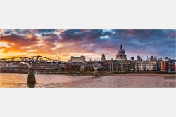 Panoramabild London Millenium Bridge St. Pauls Cathedral