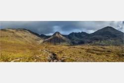 Panoramafoto Cullin Berge Fairy Pools Isle of Skye Schottland